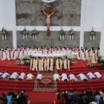 Keuskupan Bogor Panen 8 Imam Baru dan 4 Frater Diakon