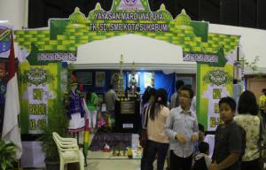 Peserta Pameran dan Bazaar dari Yayasan Mardi Waluya