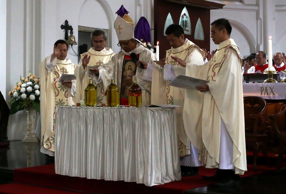 Misa Pemberkatan Minyak Suci & Pembaharuan Janji Imamat