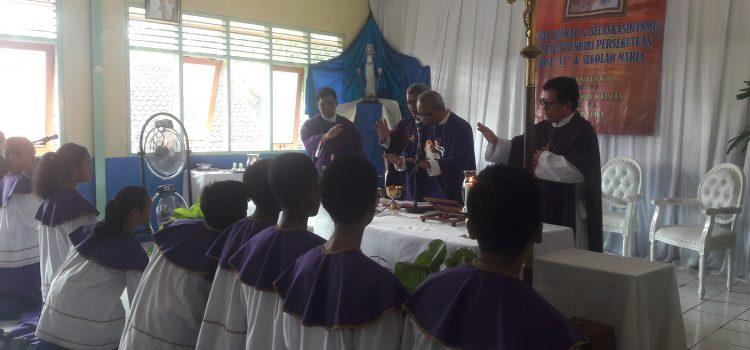 Perayaan Syukur Sekolah Maria Sukatani oleh Mgr Paskalis Bruno Syukur