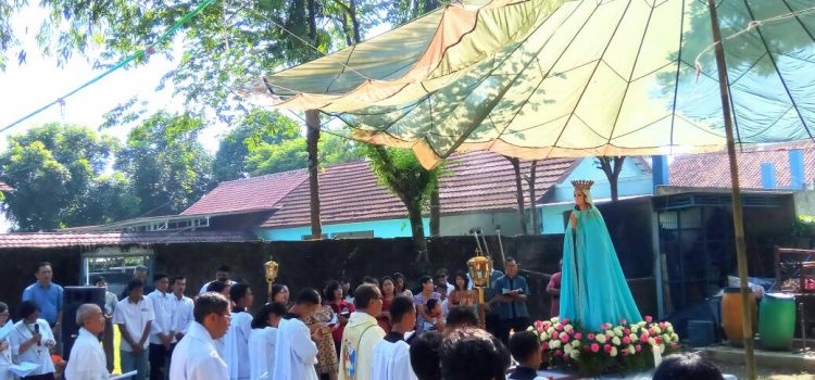 Pembukaan Bulan Maria di Paroki Ignatius Loyola, Semplak